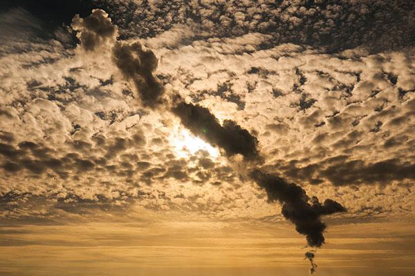 """空气污染危害类似""""二手烟"""""""